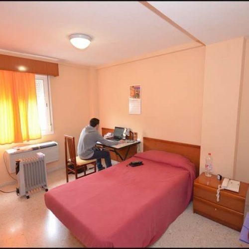 ¿Por qué optar por habitación en residencia universitaria?