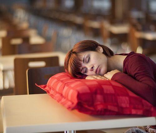 La importancia del descanso para estudiantes universitarios